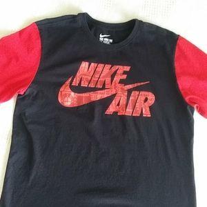 Nike Air athletic cut t-shirts Large